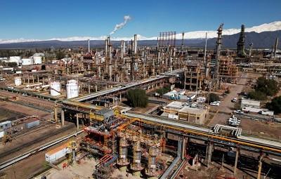 YPF inició una obra en Mendoza para la producción de naftas más sustentable